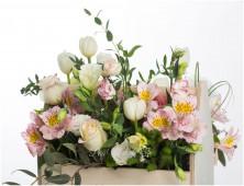Цветы в ящике Нежные