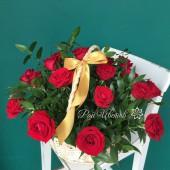 Подарочная корзина с розами