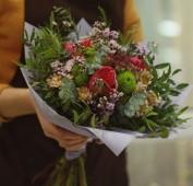 Букет с пионовидными розы